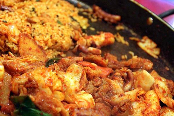 Dak Galbi món ăn ưa thích xứ Hàn