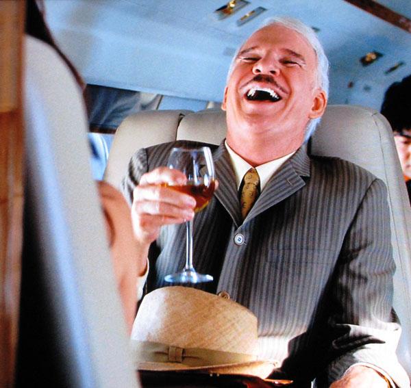 Những ly rượu trên máy bay có thể khiến bạn vui lúc đó nhưng sẽ khiến cho bạn mệt mỏi trong suốt cuộc hành trình
