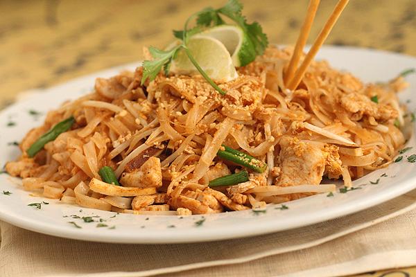 ẩm thực đường phố Thái Lan: Pad thái