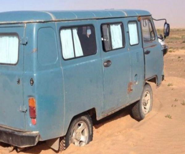 Những chiếc xe cũ của Nga trên đường chinh phục thảo nguyên Mông Cổ.