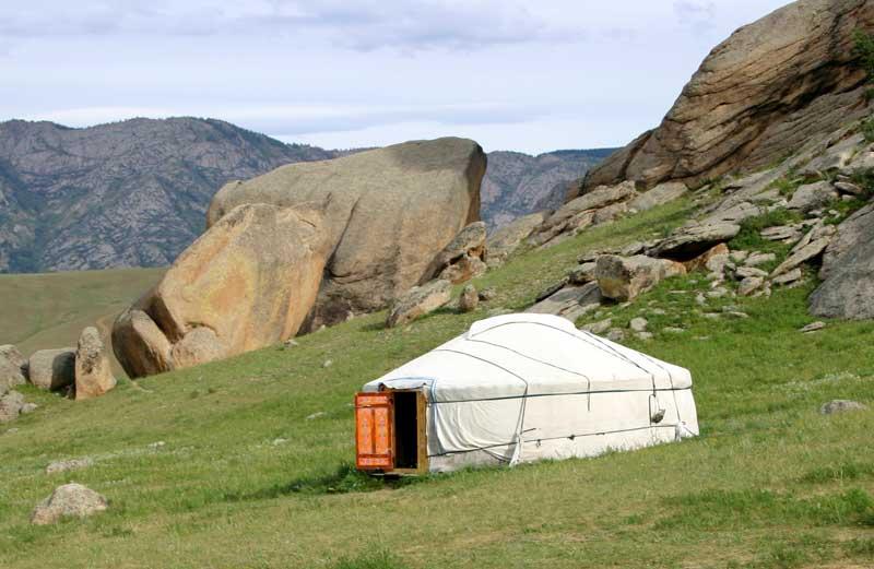 du lịch Mông Cổ - ngủ lều