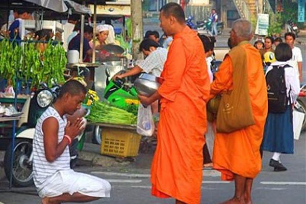 Đi du lịch Thái Lan: nhà sư