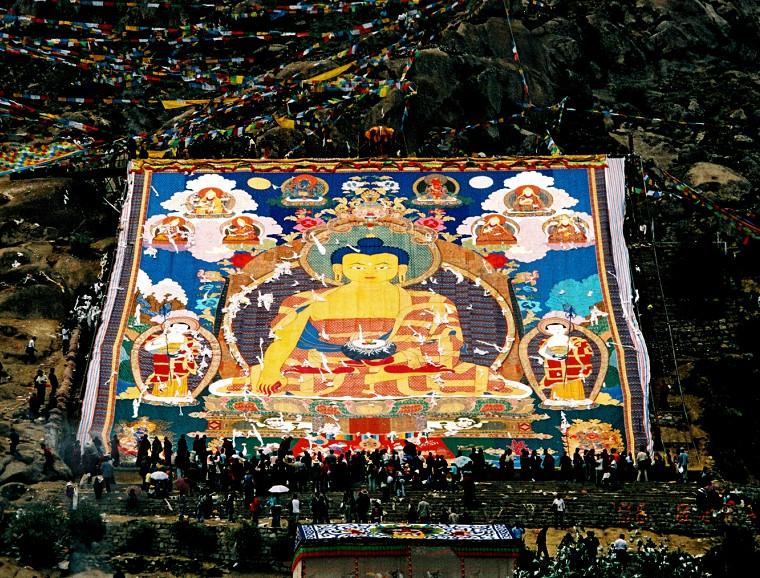 shoton-festival-in-tibet