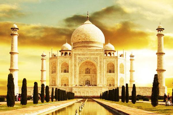 Đền Taj Mahal - niềm tự hào của đền đài Ấn Độ.