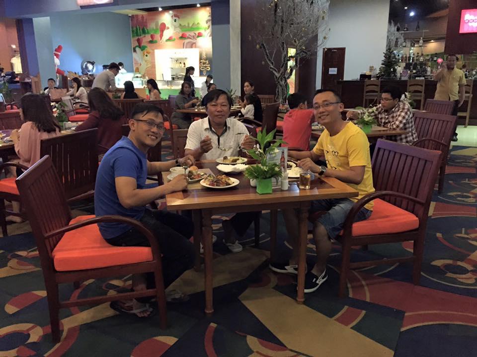 Quay trờ lại Thansur Bokor Highland Resort thưởng thức buổi tối