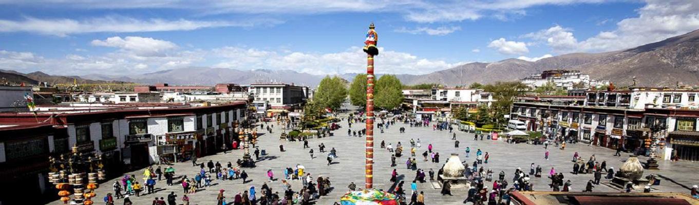 Chợ Barkhor - nơi du khách có thể tìm kiểm những sản vật của Tây Tạng