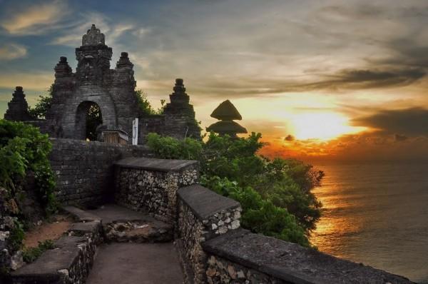 Đền Uluwatu là một trong những ngôi đền cổ xưa nhất ở Bali