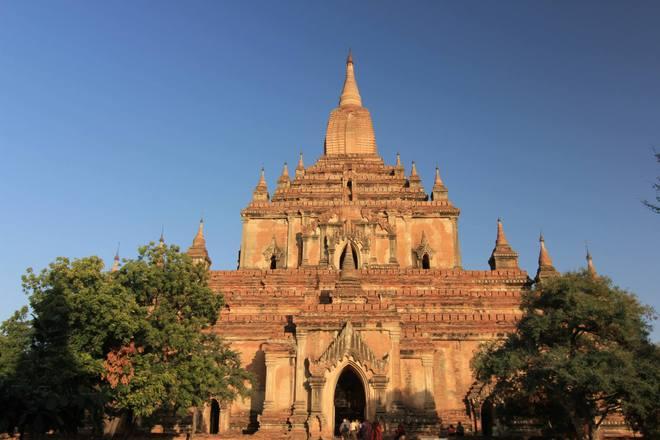 Sulamani được trang trí rất đẹp ở các bức tường phía bên ngoài đền
