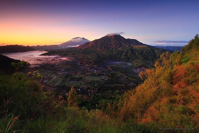 Núi lửa Batur nằm ở độ cao 1700 m so với mực nước biển