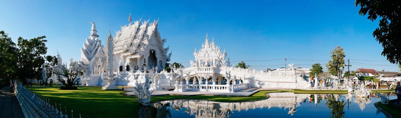 Đền thờ trắng Wat Rong Khun là một trong những ngôi đền dễ nhận biết nhất ở Thái Lan. Đền thờ tọa lạc bên ngoài thị trấn Chiang Rai, thu hút một lượng lớn du khách Thái Lan lẫn ngoại quốc