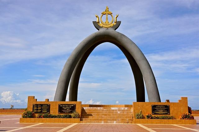 Đài kỷ niệm Billionth Barrel đáng dấu sự kiện Brunei xuất khẩu 1 tỷ thùng dầu
