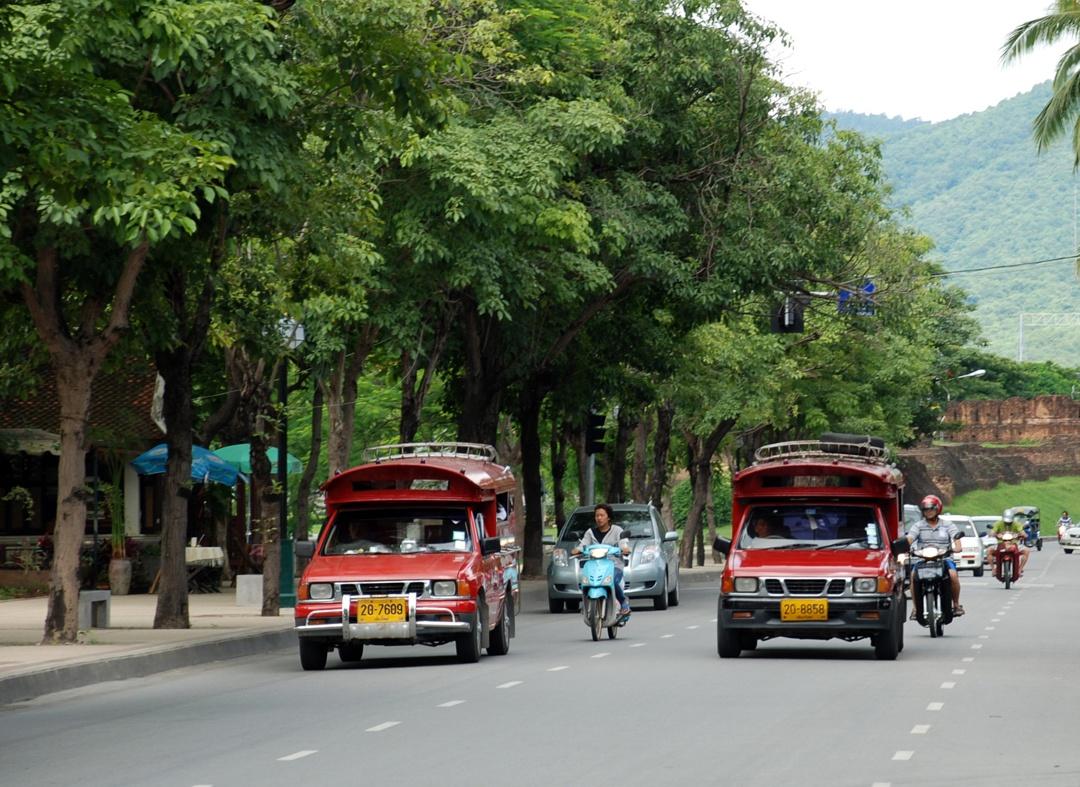 Duong-pho-Chiang-Mai