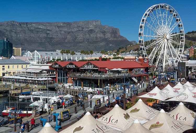 Ngoài các thắng cảnh đẹp thì văn hóa Nam Phi cũng là một điều thú vị cho du khách khám phá