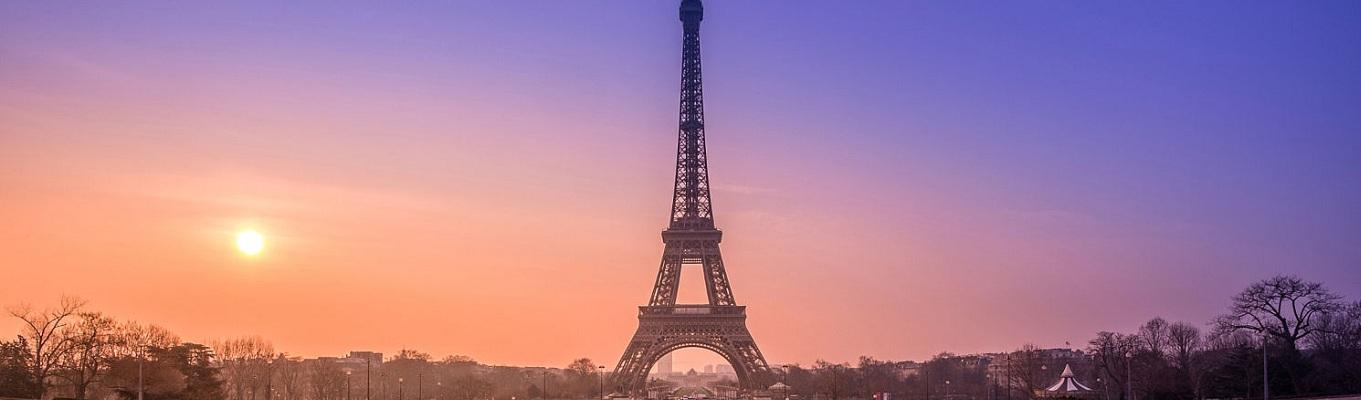 Tháp Eiffel - Biểu tượng của Kinh đô ánh sáng