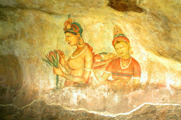 Một trong những bức họa mỹ nữ Sigiriya được vẽ trong đường hầm