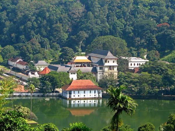Thành phố Kandy - thành phố lớn thứ 2 của Sri Lanka sau cố đô Colombo