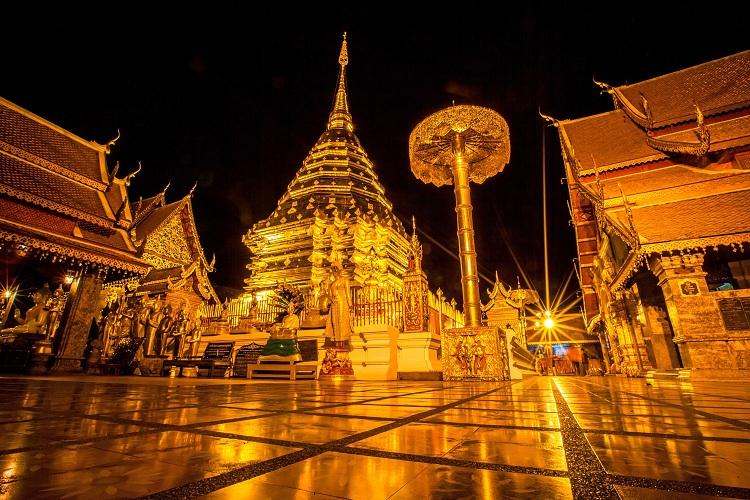 Chùa Phrathat Doi Suthep là một trong những ngôi chùa thinh liêng nhất tại Chiang Mai