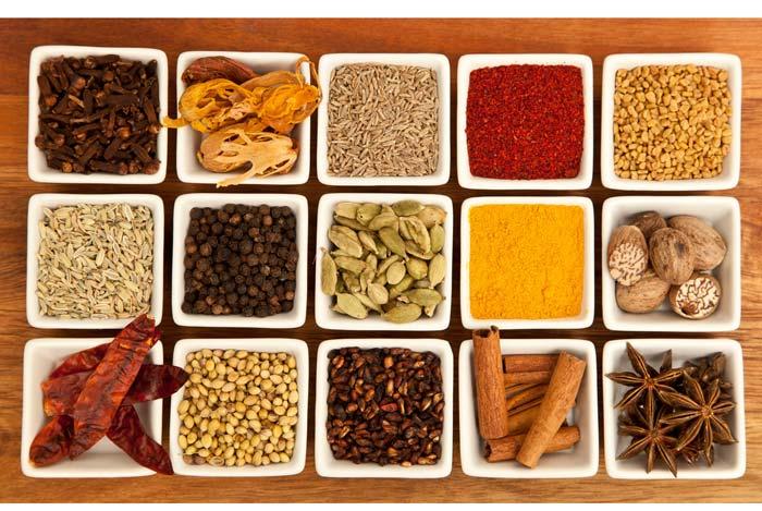 Vô số các gia vị khác nhau để chế biến các món ăn Ấn Độ