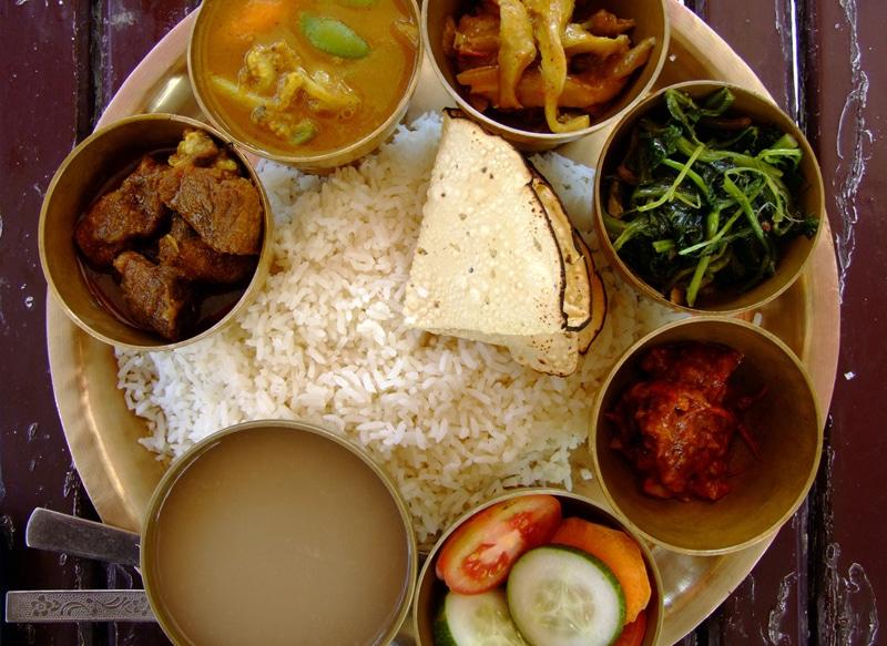 Một bữa ăn của người Nepal