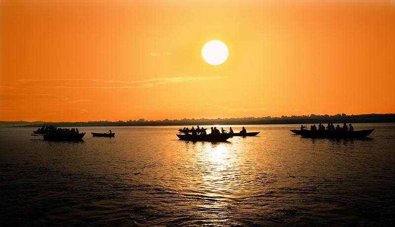 Bình minh trên sông Hằng
