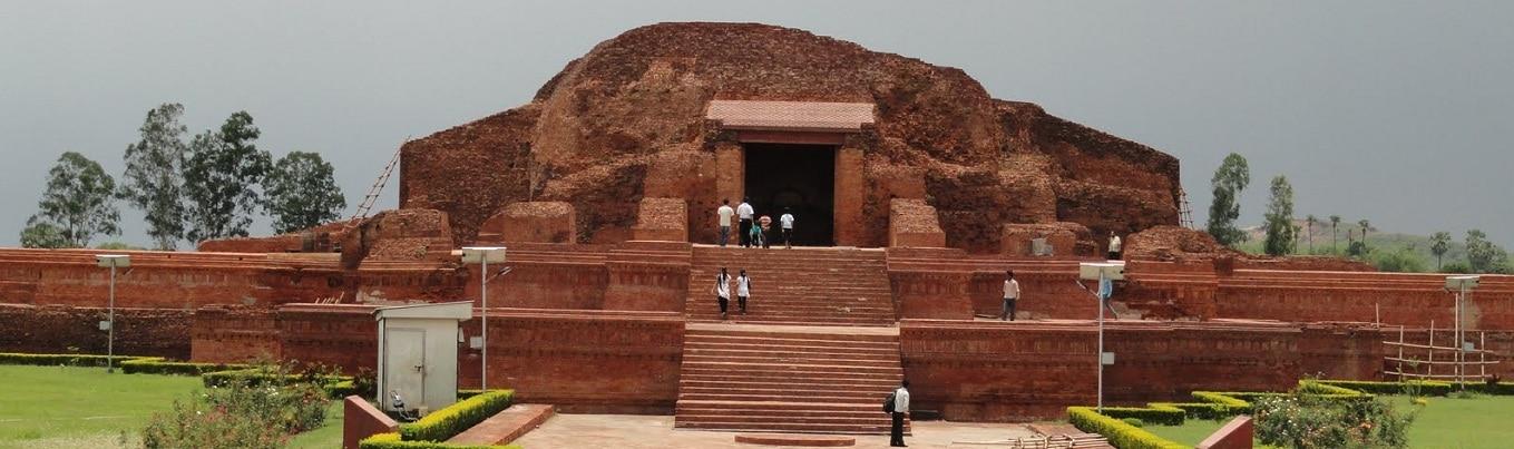 Khu phế tích của học viện phật giáo Nalanda, một di tích quan trọng trong sự phát triển của Phật giáo Ấn Độ nói riêng và Phật giáo thế giới nói chung
