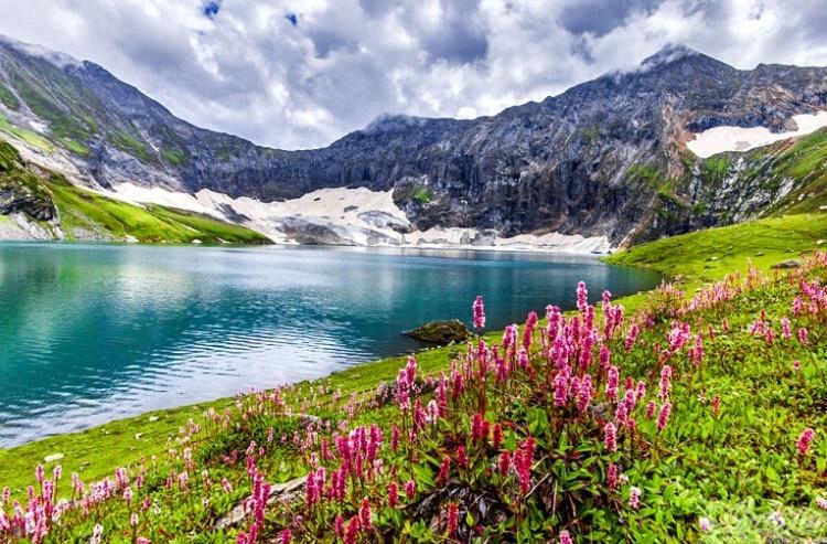 Phong cảnh đẹp như tranh vẽ làm say đắm lòng người