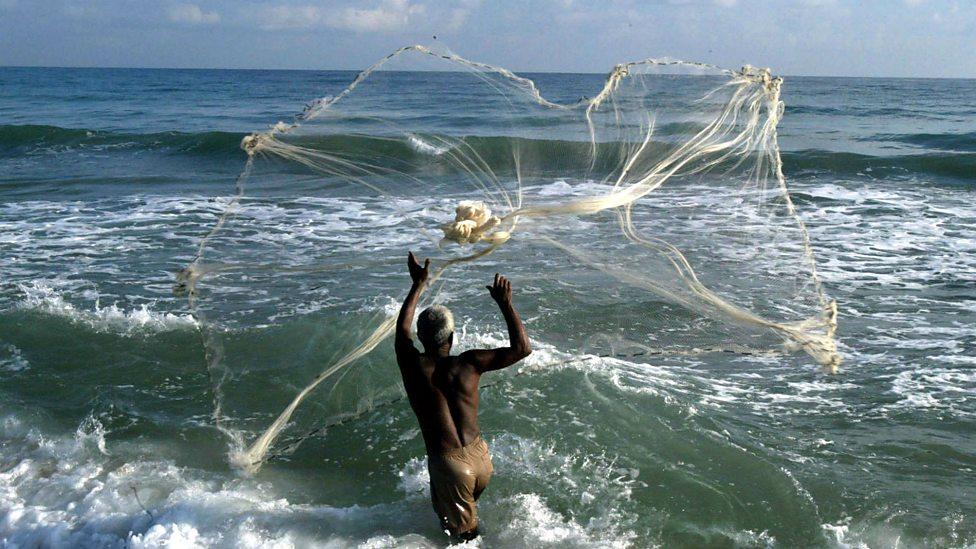 Việc bắt cá bằng lưới không được ngư dân nơi đây ưa chuộng bởi họ cho rằng làm như vậy sẽ khiến cá không quay trở lại