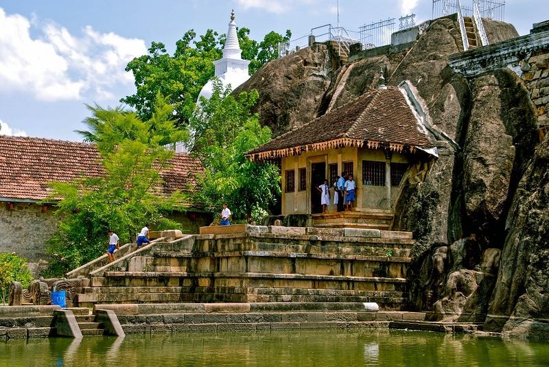 Ngôi đền Isurumuniya