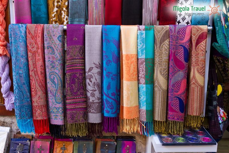 shawls-of-kashmir-india-migolatravel