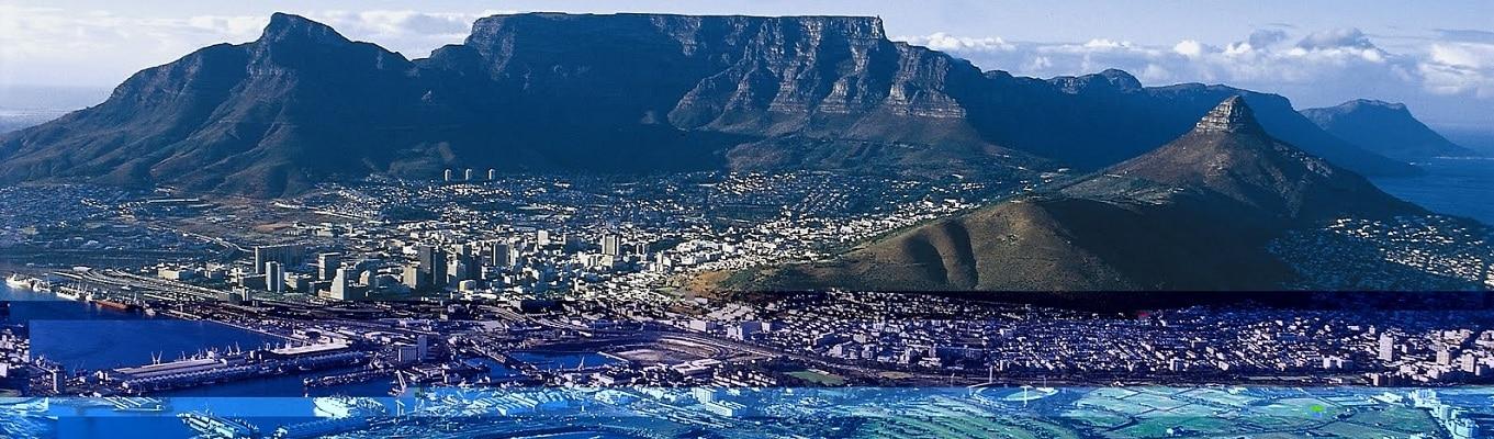 Núi Bàn (Table Mountain) – Ngọn núi không nhọn ở phần đỉnh mà phẳng ngang như một chiếc bàn. Đây là biểu tượng của Cape Town, một trong những điểm du lịch hấp dẫn  nhất thế giới