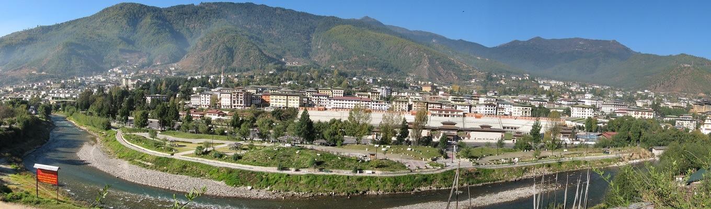 Thủ đô Thimphu nằm ở phía Tây của Bhutan, có độ cao 2.300m, nổi tiếng bởi sự pha trộn giữa nét văn hóa truyền thống xen lẫn hiện đại.