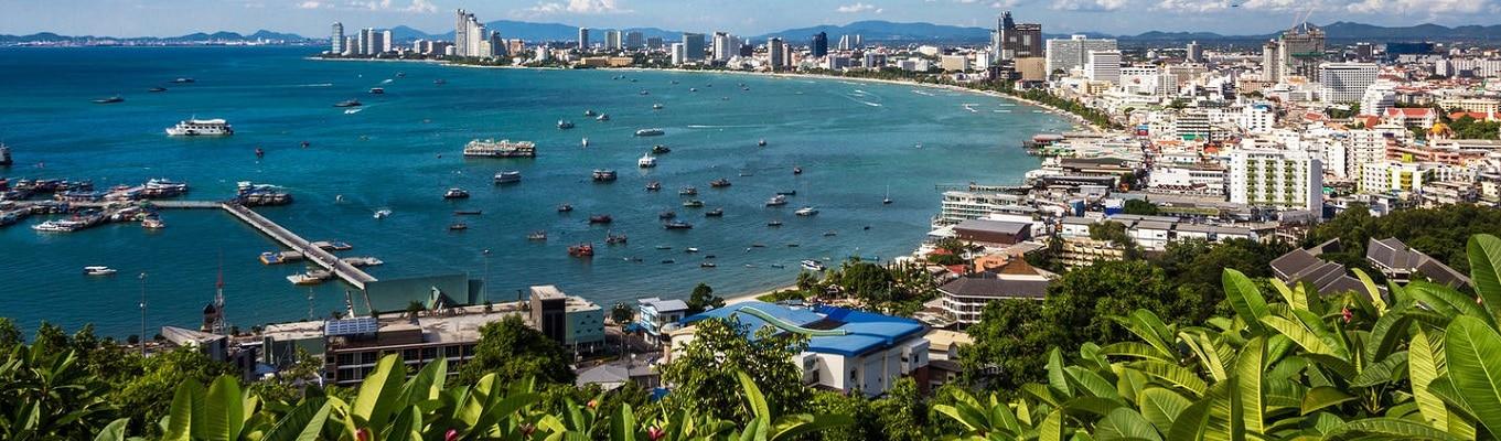 Toàn cảnh thành phố Pattaya nhìn từ đồi vọng cảnh Phra Tamak