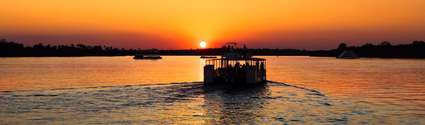 Hoàng hôn trên dòng sông Zambezi