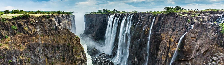 Thác Victoria hùng vĩ , một trong 7 kỳ quan thiên nhiên của thế giới được CNN bình chọn từ phía Zambia