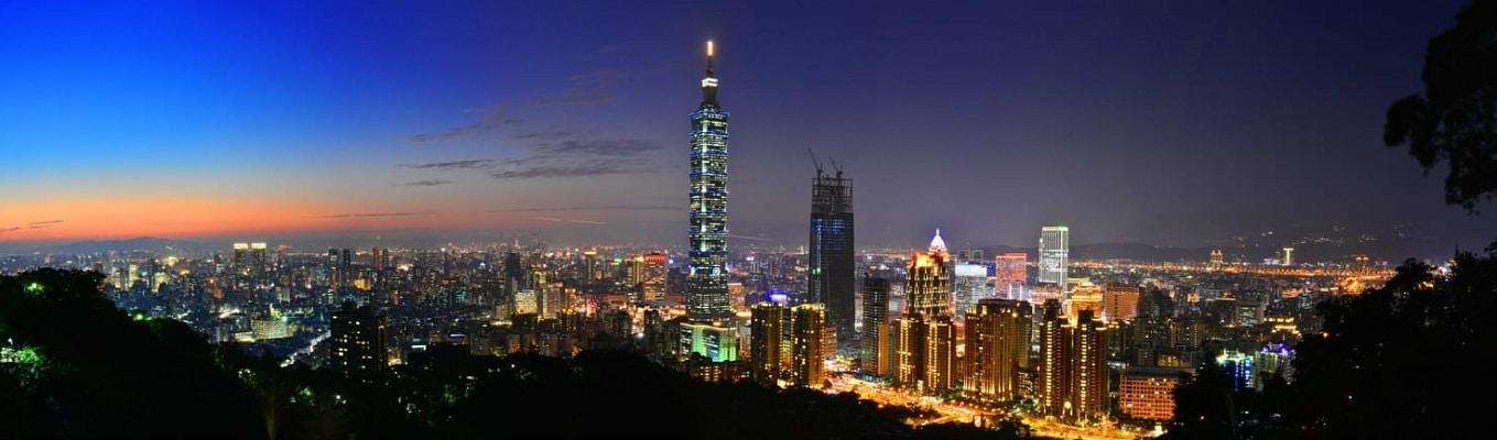 Tòa Tháp Tapei 101 – tòa tháp cao nhất và vốn là niềm tự hào của người dân Đài Loan, nằm trong bảy kỳ quan kiến tạo của thế giới