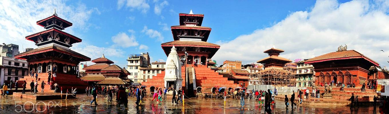 """Kathmandu Dubar Square - quần thể này nằm ở vị trí """"trái tim"""" của thủ đô với tên gọi khác là Hanuman Dhoka Durbar Square, bởi ngay cổng vào hoàng cung có tượng Thần Khỉ Hanuman"""