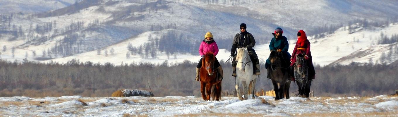 Hành trình cưỡi ngựa xuyên rừng Taiga để đến với bộ tộc người chăn tuần lộc Tsaatan