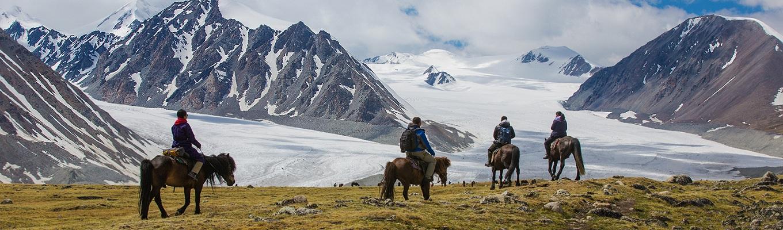 Vườn Quốc gia Altai Tavan Bogd là một khu bảo tồn thiên nhiên độc đáo, nổi tiếng với 5 đỉnh núi cao nhất, và dòng sông băng Potanin lớn nhất (nằm ở độ cao 4.000 mét so với mực nước biển