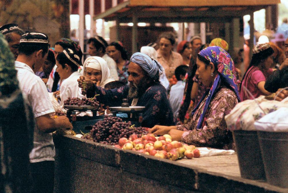 Bukhala-market2