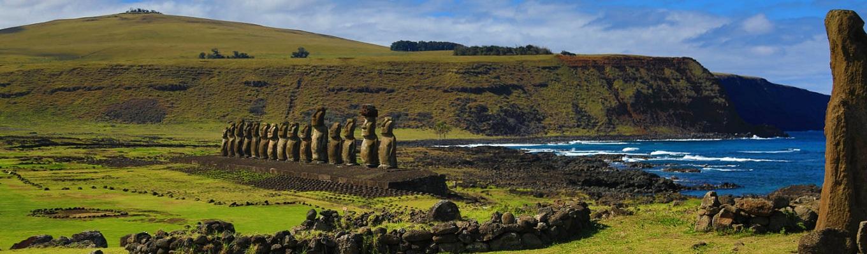 Đảo Phục Sinh, hay Rapa Nui theo tiếng người bản địa, là hòn đảo nhỏ nằm giữa Thái Bình Dương thuộc Chile, vốn nổi tiếng với những bức tượng đá bí ẩn khổng lồ mang tên là Moai.