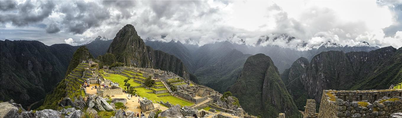 """Machu Picchu – thường được gọi là """"Thành phố bị mất của người Inca"""". Machu Picchu đã trở thành một điểm thu hút khách du lịch quan trọng nhất ở Peru, là biểu tượng quen thuộc nhất của thế giới Inca."""