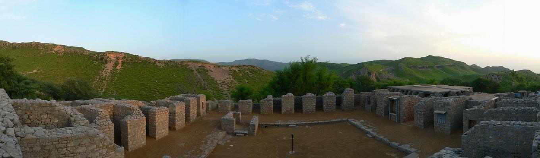 Thành phố cổ Texila được UNESCO công nhận là di sản văn hóa thế giới vào năm 1980. Ngày xưa, thành phố nằm ở vị trí chiến lược của khu vực Ấn Độ, Trung Á và Tây Á với nhiều công trình quan trọng được xây dựng từ thế kỷ thứ V-VI.