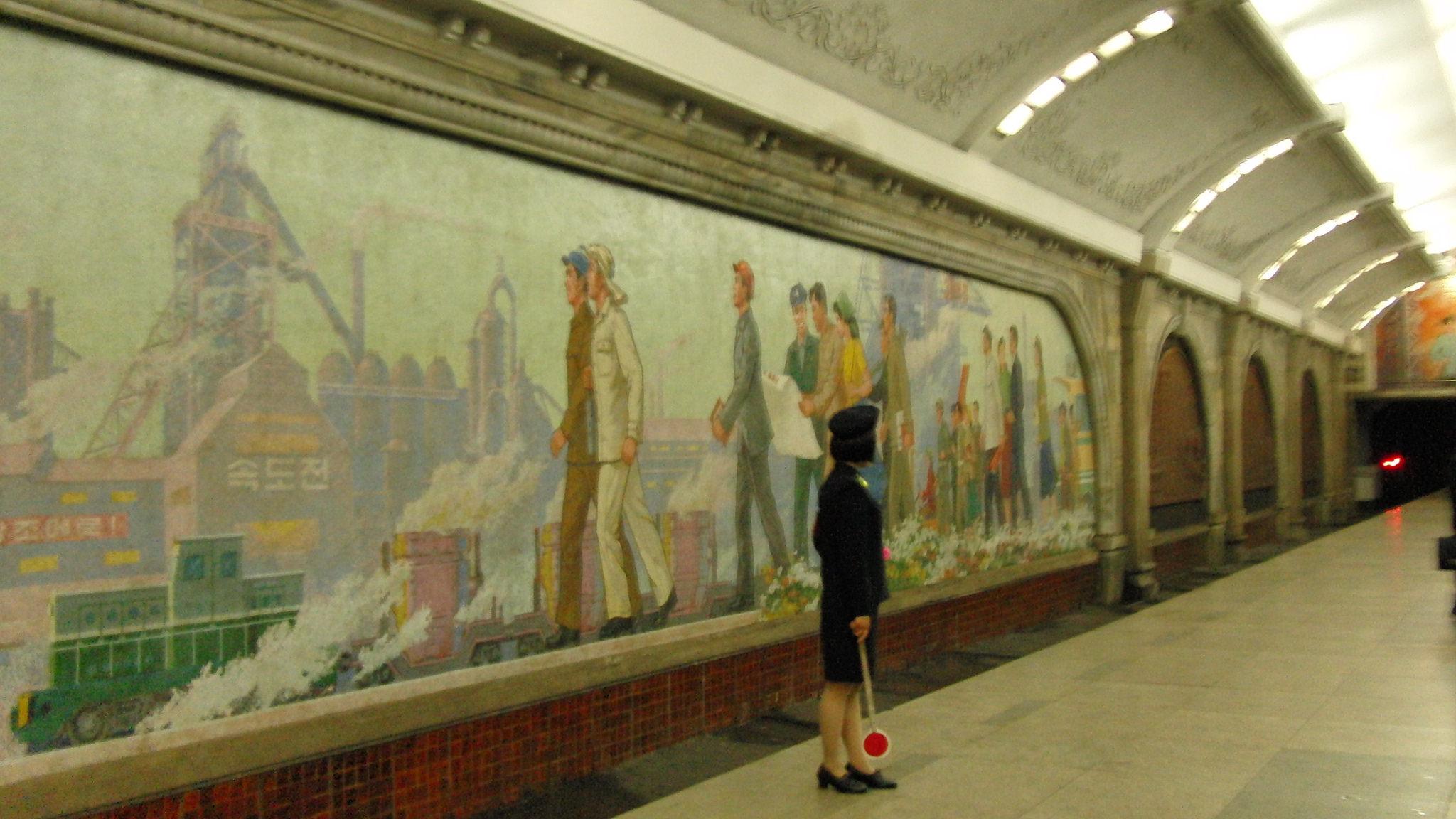tranh-co-dong-metro