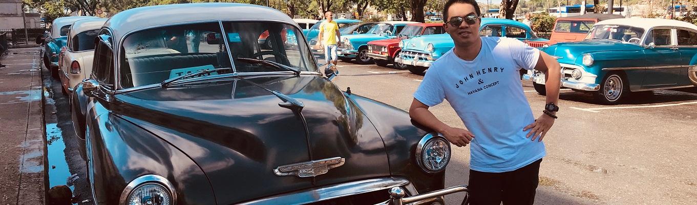 Cuba - Viện bảo tàng xe cổ của thế giới. Sau nửa thế kỷ bị Mỹ cấm vận thương mại, thời gian dường như vẫn chưa tác động đến Cuba, biến nơi đây trở thành quốc gia kỳ lạ, với đường phố rải rác những chiếc ô tô Mỹ cổ điển