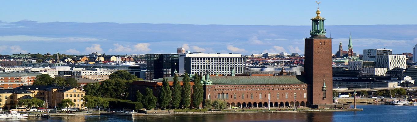 Tòa thị chính Stockholm, công trình kiến trúc hiện đại được người dân Thuỵ Điển xếp hạng là đẹp nhất cả nước. Trên đỉnh tháp của tòa thị chính, quý khách có thể ngắm toàn cảnh thành phố Stockholm.