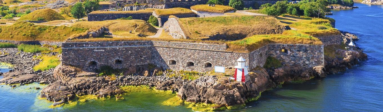 Pháo đài Suomenlinna, được UNESCO công nhận là pháo đài trên biển lớn nhất thế giới, quần thể pháo đài xây trên 6 hòn đảo của thủ đô Helsinki bởi người Thụy Điển.