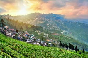 darjeeling-rain-clouds-sunset