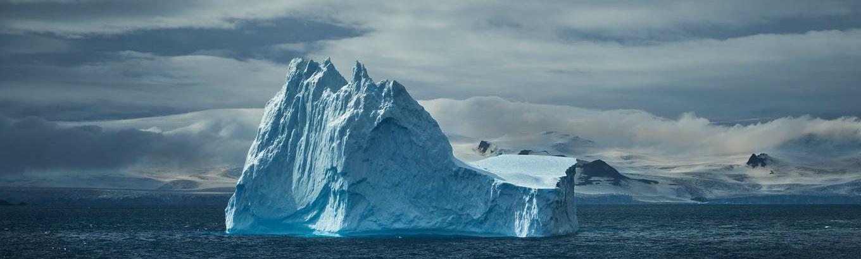 Những ai được trải nghiệm Nam Cực có thể xem là một điều may mắn bởi vì nơi đây có rất ít dấu vết dân cư và cảnh quan chưa bị tác động.