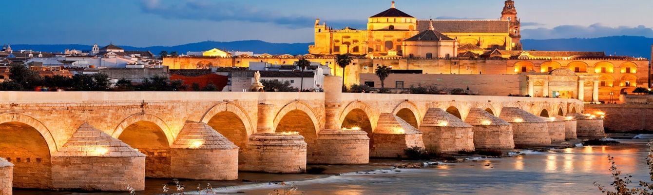 """Cầu La Mã:được khởi công xây dựng vào thế kỉ I trước Công nguyên. Cây cầu đã từng là bối cảnh cho loạt phim nổi tiếng """"Trò chơi Vương quyền""""."""