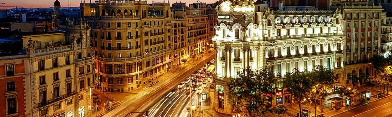 Khu phố mua sắm La Gran Via:Đây là một trong những khu phố mua sắm quan trọng bậc nhất ở Madrid.